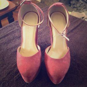Wild Diva dude platform heels size 7